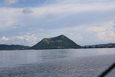 タール湖.jpg